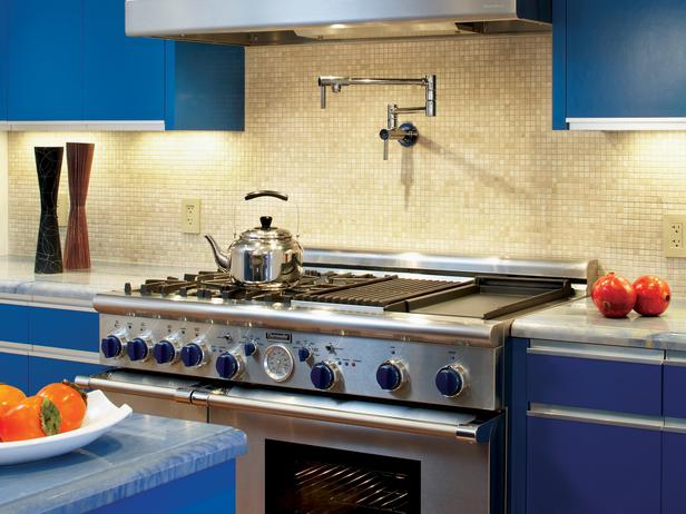 DP_meyer-blue-kitchen-stove_s4x3_lg